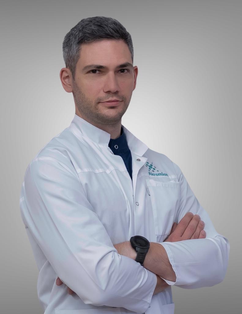 Borna Strahonja, dr. med.